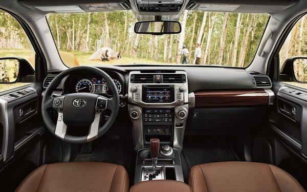 Toyota заняла четверть российского рынка среднеразмерных внедорожников
