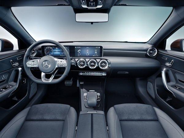 Озвучен прайс на полноприводный Mercedes-Benz A-Class в России