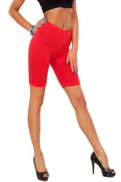 Обтягивающие шорты в стиле Ким Кардашьян  лихорадочно скупают в Сети