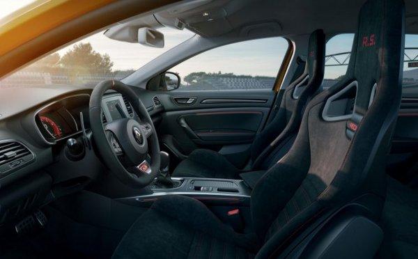 Renault представила самую «горячую» 300-сильную версию хэтча Renault Megane RS