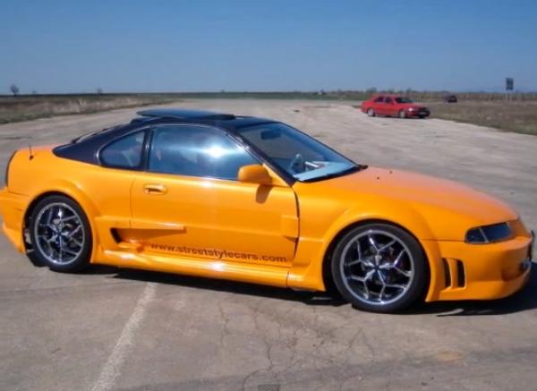 Воронежцев поразил ярко-оранжевый тюнингованный спорткар