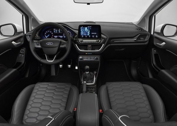 Хэтчбек и седан Ford Fiesta подорожали в России на 9 000 рублей