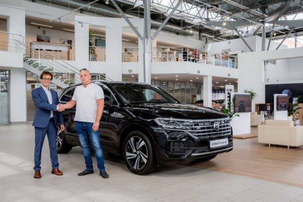 В России продан первый кроссовер Volkswagen Touareg нового поколения