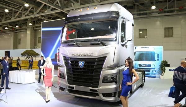 Опубликованы первые фото предсерийного образца грузовика КАМАЗ с кабиной К5