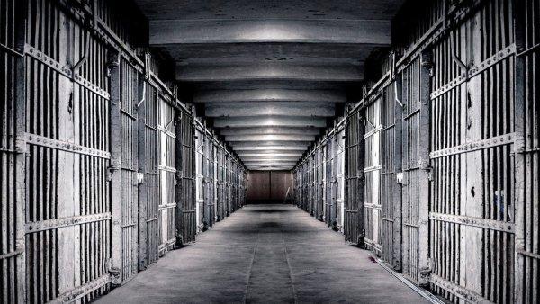 Тысячи заключенных в России выйдут на свободу раньше срока по новому закону