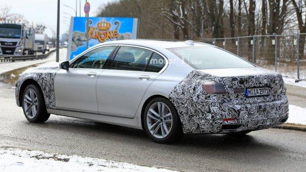 Гибридный седан BMW 7-Series оснастят 390-сильной установкой