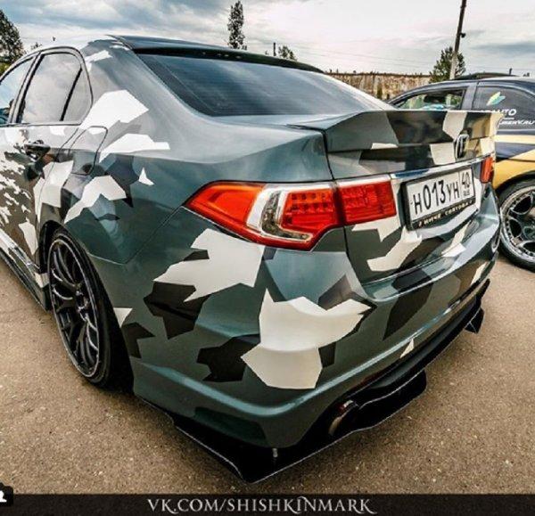 Honda Accord с военным тюнингом обсуждают воронежцы
