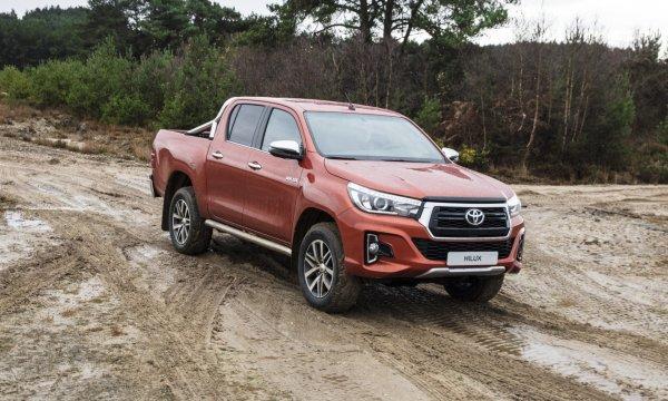 В России продается пикап Toyota Hilux в спецверсии Exclusive