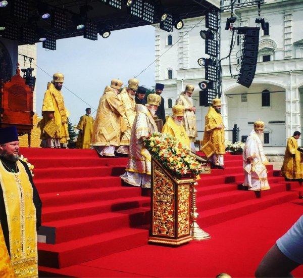 Настоящая пытка: Жена священника рассказала о богослужении в Кремле