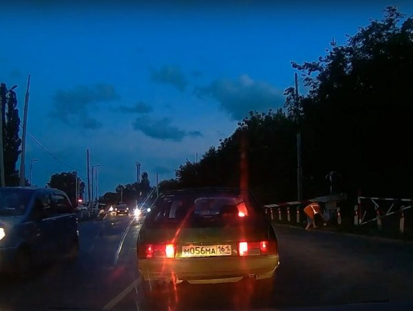 «Креативный шлагбаум» заметили в Таганроге