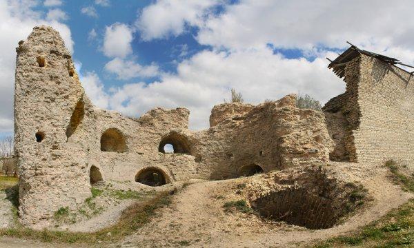Археологами из Пскова обнаружено первоначальное ядро Варламской башни