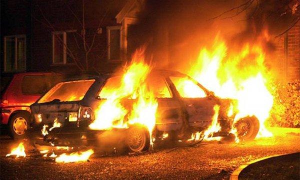 Ночью в Советском районе Воронежа сгорела иномарка