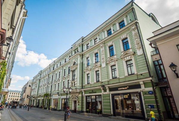 Люксовые бренды закрывают магазины на самой дорогой улице России