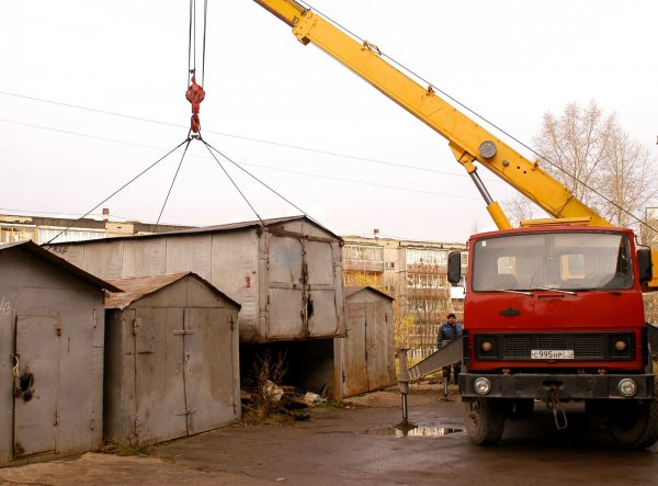 Во Владимире продолжают сносить незаконные гаражи