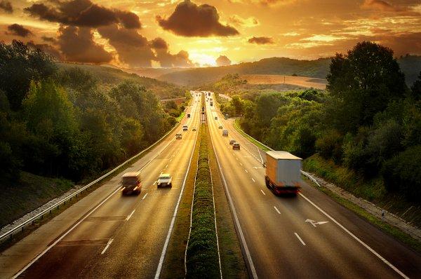 «Грабят отовсюду»: Автомобилисты в шоке от поездок по трассе М4 «Дон»