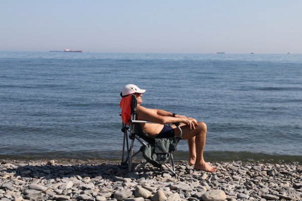 Украинские туристы едут отдыхать в Крым наперекор властям