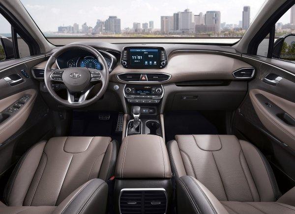 Названы цены и комплектации кроссовера Hyundai Santa Fe для России