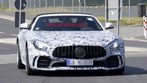 Обновленный родстер Mercedes-AMG GT R проходит дорожные тесты на Нюрбургринге