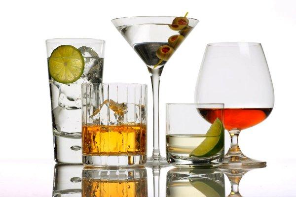 Ученые: Небольшая доза алкоголя предотвращает появления болезней сердца