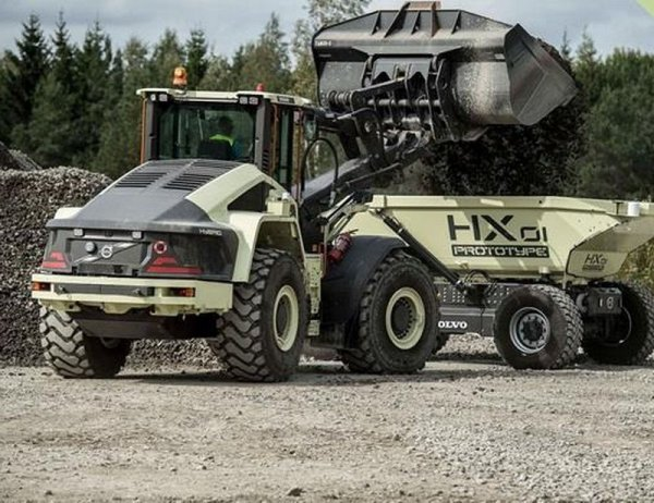 Volvo начала тестировать беспилотные электрические самосвалы