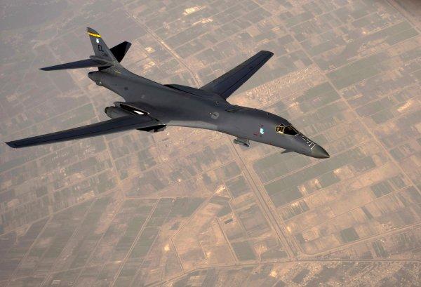 Фигуры высшего пилотажа бомбардировщика B-1B Lancer попали на видео