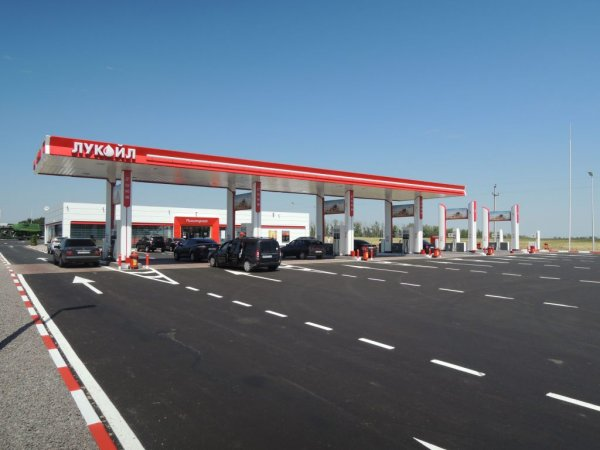 Бензиновое ограбление: Ростовские АЗС на М4 «Дон» прячут газ «под прилавком»