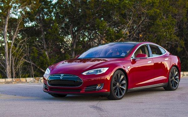 После обновления системы у электромобилей Tesla перестал работать автопилот
