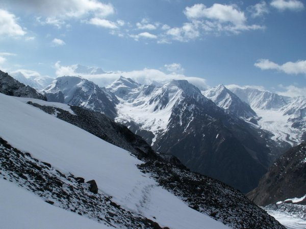 Ледник Вавилова тает стремительнее всех остальных снежных глыб