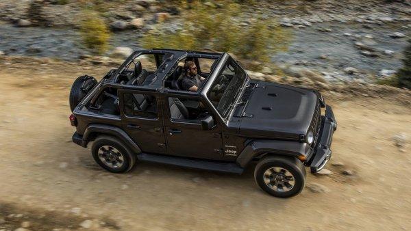 Jeep Wrangler получит новые моторы и гибридный агрегат