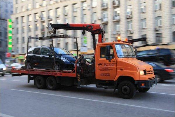 В Москве эвакуированы более 2000 безномерных автомобилей