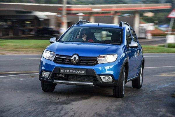 Конкурент LADA XRAY: В Россию приехал кросс-хэтчбек Renault Sandero Stepway