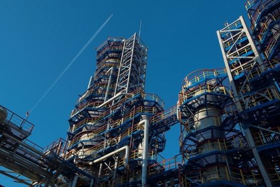 Антипинский НПЗ продал первую тонну дизельного топлива на биржевых торгах