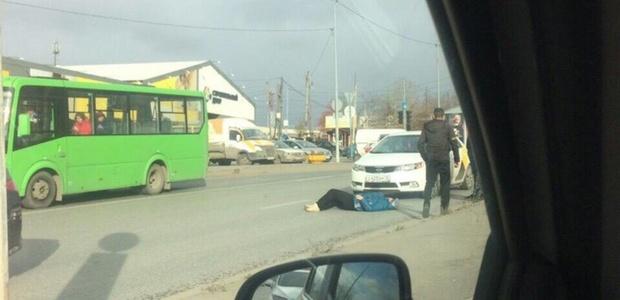 В Тюмени пенсионерка угодила под колеса, пытаясь перебежать дорогу в неположенном месте