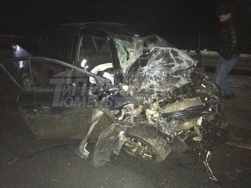 Трагедия на трассе Тюмень-Ханты-Мансийск: легковушка залетела под грузовик