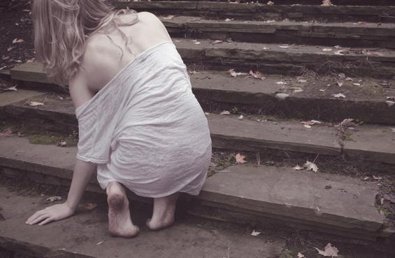 31-летняя россиянка попросила сигарету и стала жертвой группового изнасилования