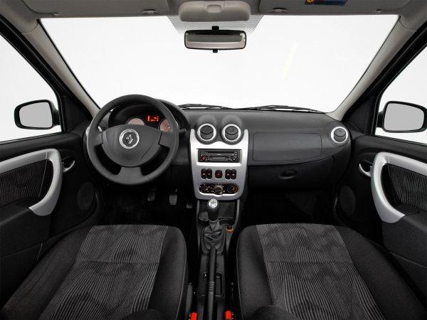 Не разорит: Расход на содержание Renault Logan озвучил эксперт