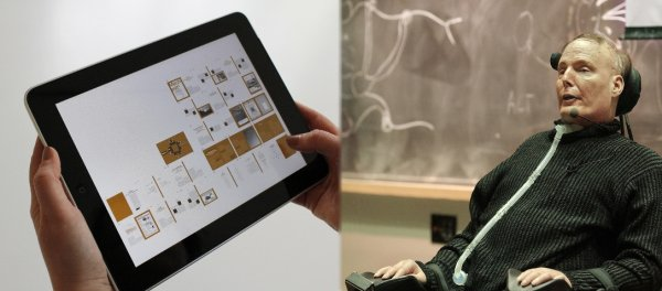 Парализованные люди могут освоить планшет с помощью инвазивного нейроинтерфейса