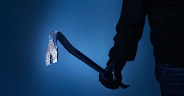 Тюменец проломил голову приятеля железным ломом