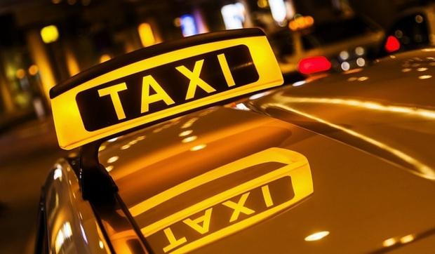 Водитель такси изнасиловал спящую пассажирку