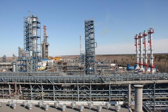 Антипинский НПЗ завершает подготовку установки по производству автомобильных бензинов к зиме