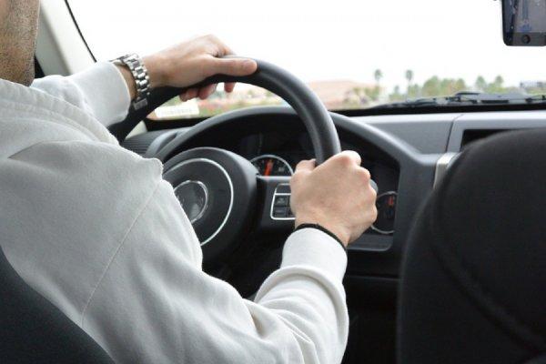 В Ростовской области выделили полтора миллиона за аренду авто экс-губернатора