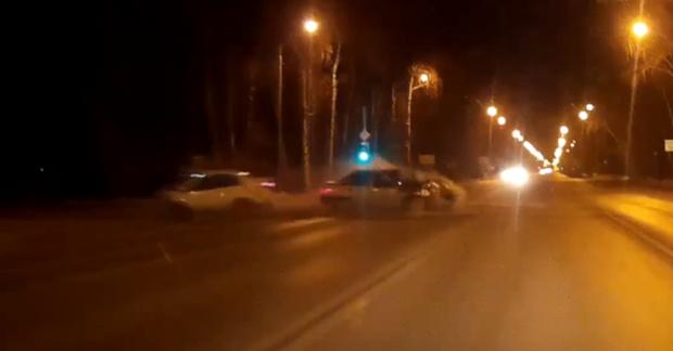 Пять человек пострадали в ДТП в Тюмени: видео момента аварии