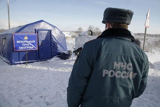 Похолодало: двум водителям потребовалась помощь на тюменских трассах