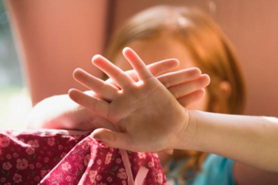 На Ямале поймали за руку пожилого воспитателя, домогавшегося маленьких девочек
