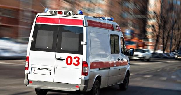 В Тюменской области мужчина избил соседа и бросил его без сознания на лестнице