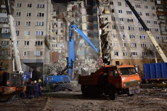 Из-под завалов обрушившегося дома в Магнитогорске спасли 11-месячного ребенка