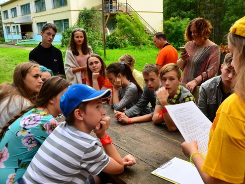 В тюменском центре загородного отдыха дети проводят время с пользой