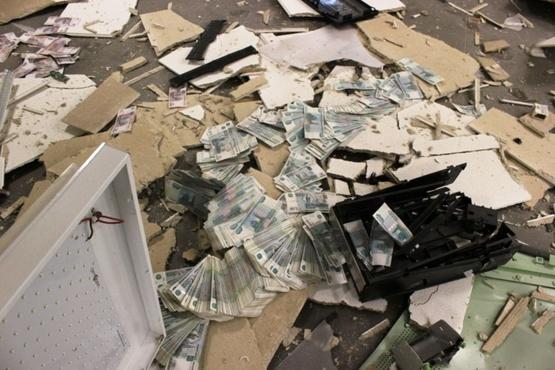 В Тюмени мужчина подорвал банкомат
