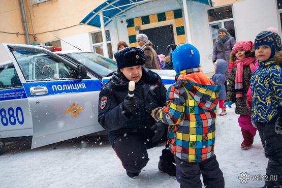 Тюменские автоинспекторы обеспечивают безопасность детей