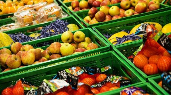«Чтобы не выбрасывать»: Депутат Госдумы предложил раздавать бедным почти просроченные продукты